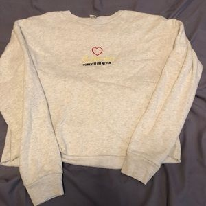 Forever 21 cropped sweater. Juniors size small.